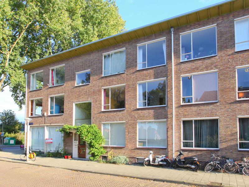 Apartment Johannes van der Waalsstraat in AMSTERDAM
