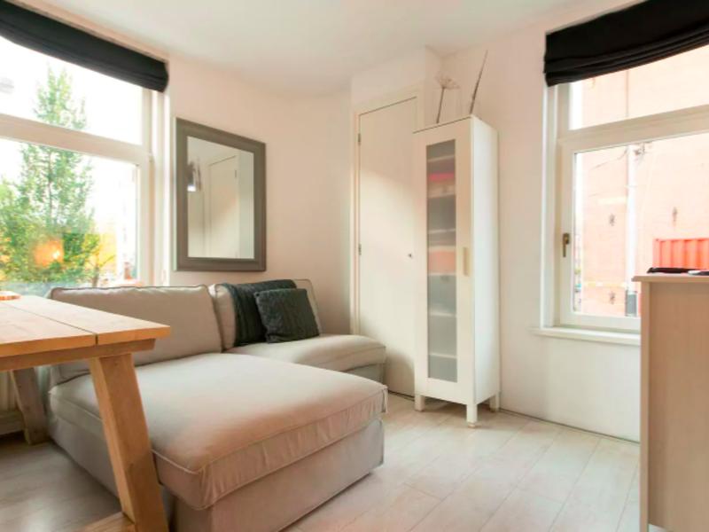 Cozy apartment in Jordaan @ canal